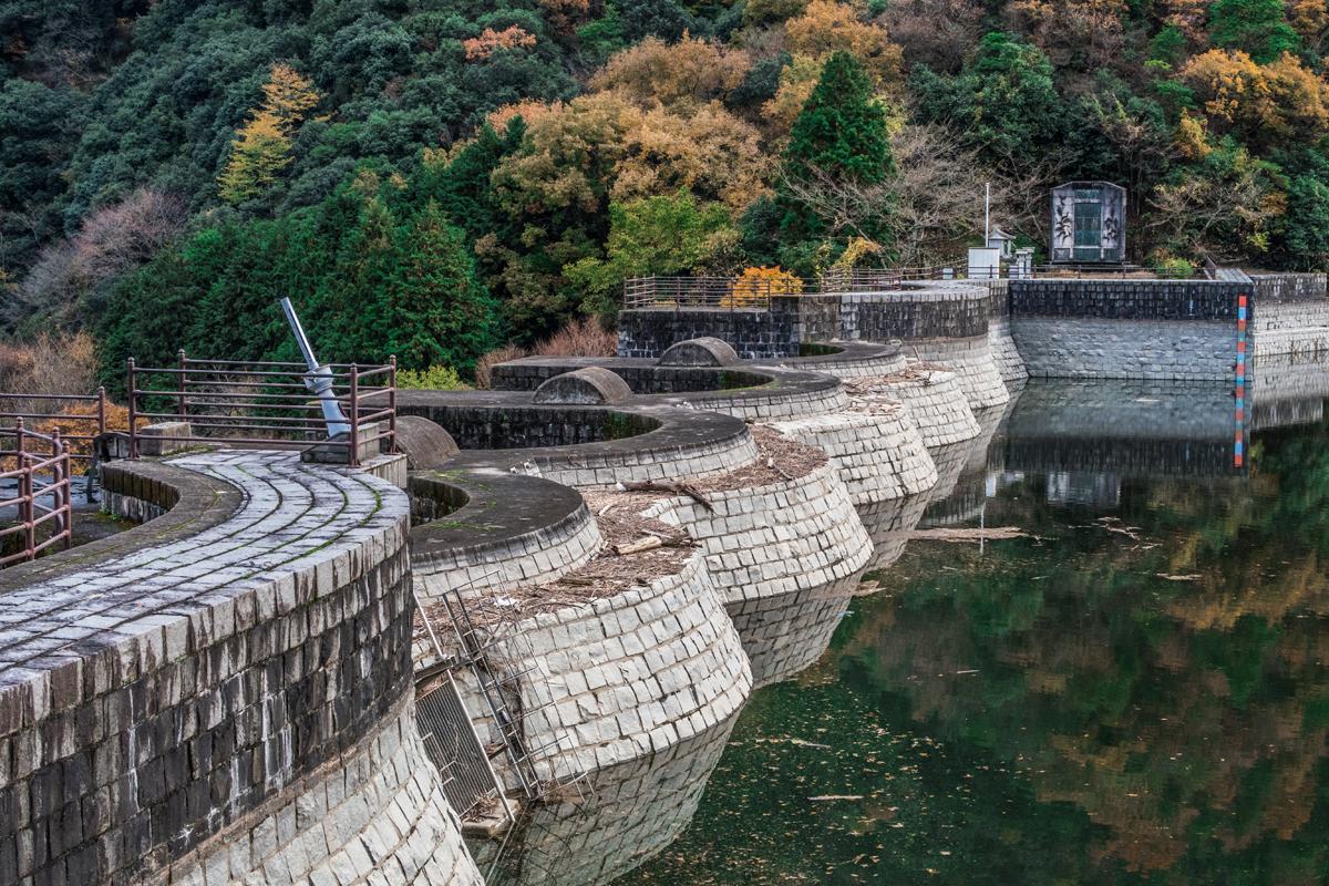 豊稔谷堰堤